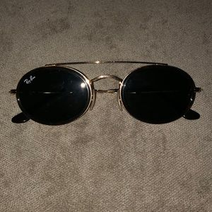 Oval Ray-Ban Sunglasses